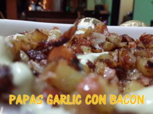 papas garlic con bacon